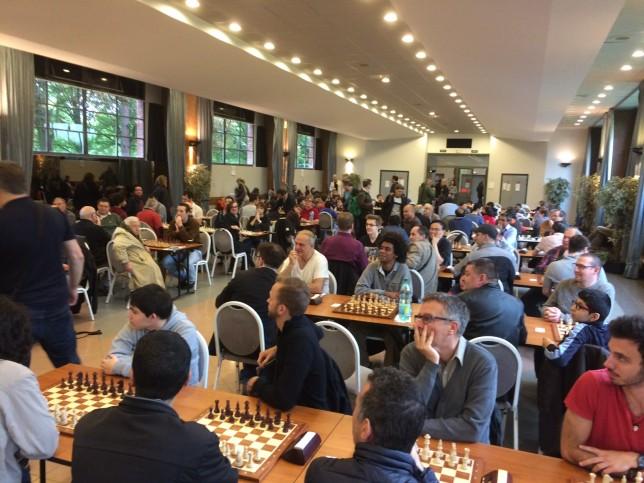 Même avec 124 joueurs, la salle de l'Atrium reste confortable