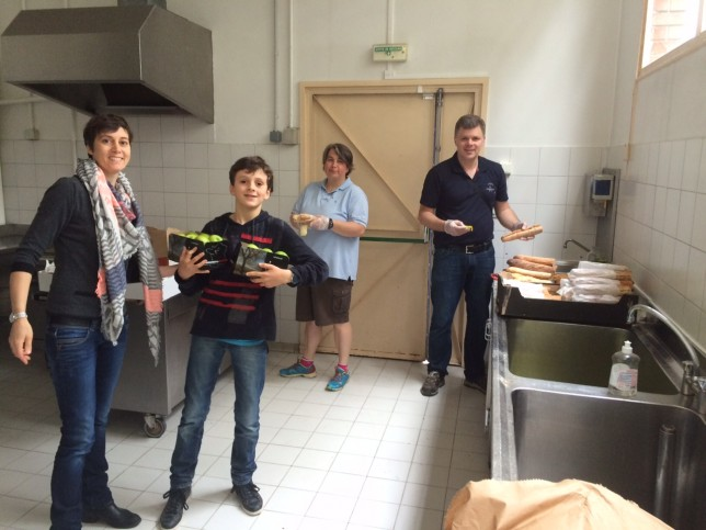 Une équipe aussi sympathique qu'efficace en cuisine et à la buvette : la famille Le Bray et Karine Panvier