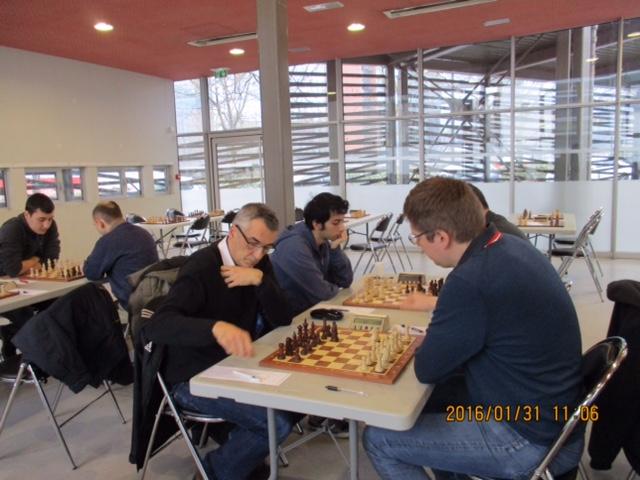 Olivier Renet affronte le très fort GMI russe Vladimir Malakhov, en 2016 à la salle de la Passerelle
